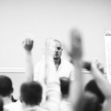 """Предприниматели с помощью тренингов личностного роста превращают мужчин в """"спартанцев"""""""